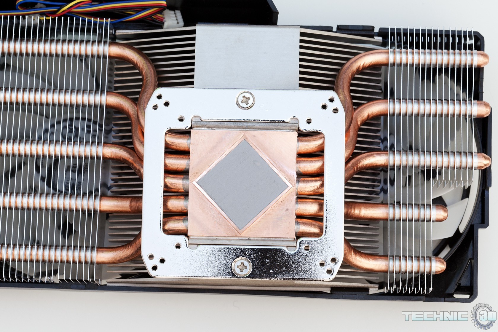 ARCTIC Accelero Xtreme 7970 VGA Kühler im Test | Review