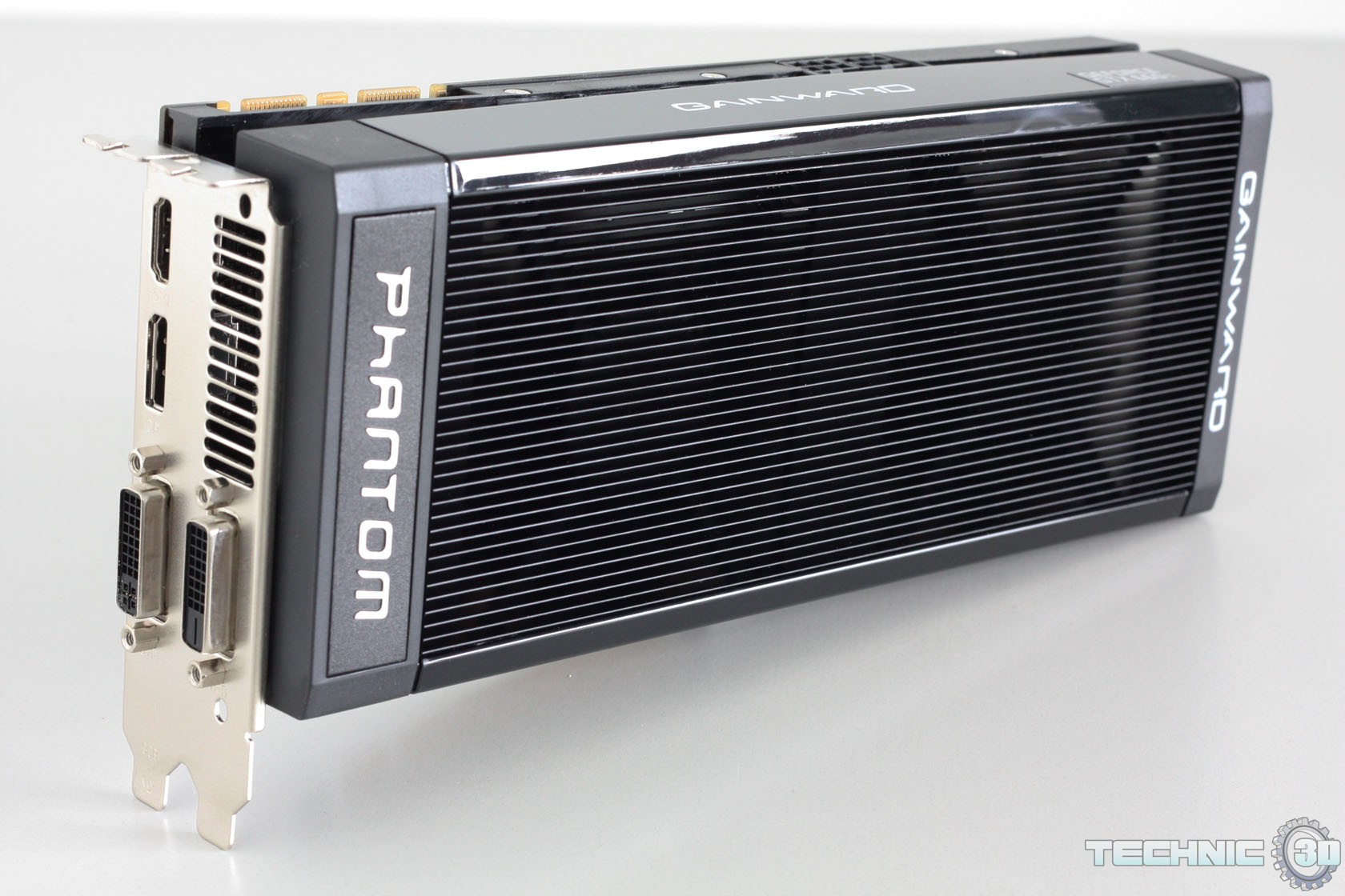 VENDO 2 SCHEDE VIDEO GAINWARD GTX 660 IT Phantom  Gainward_GeForce_GTX_660_Ti_Phantom_5