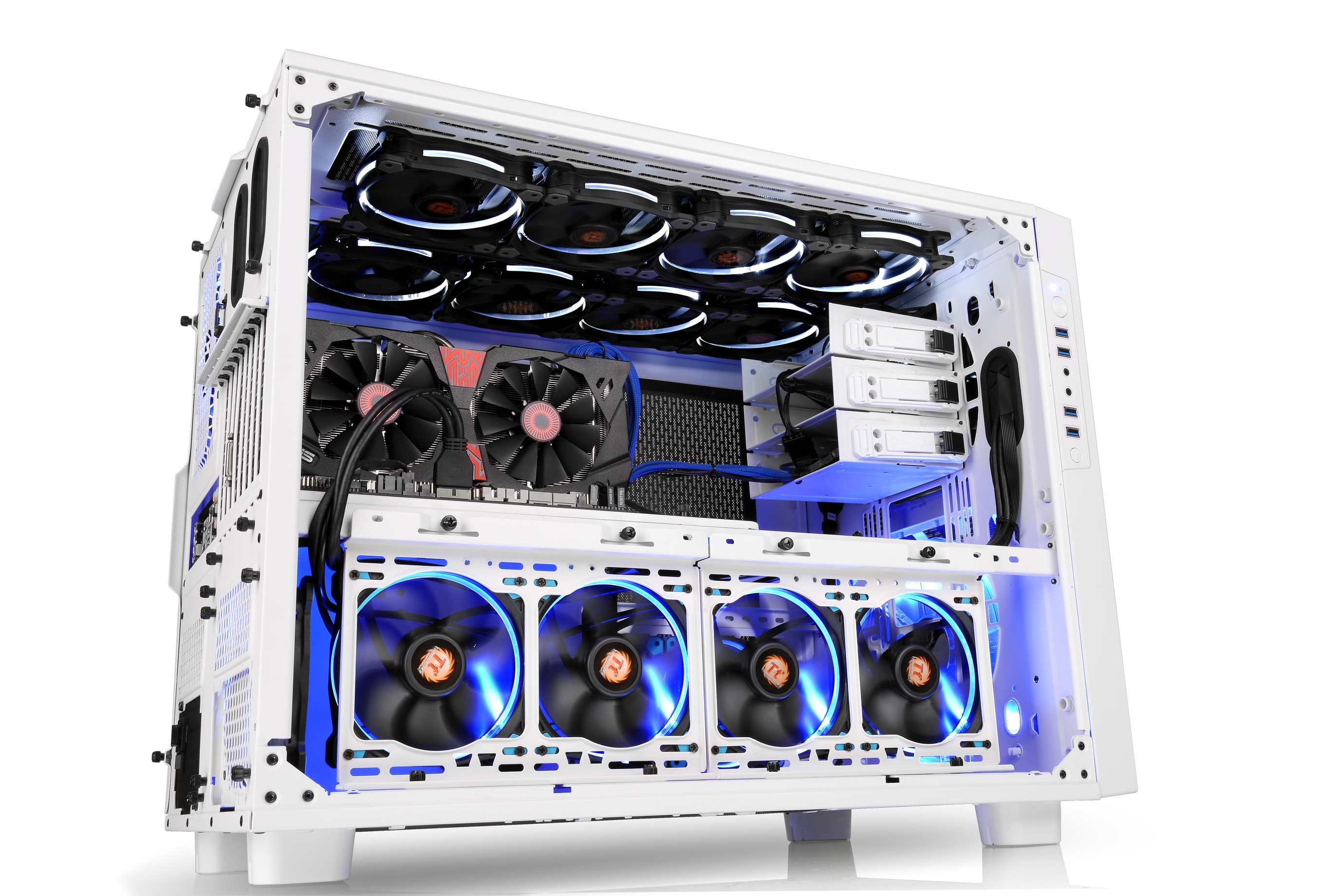 thermaltake core x9 geh use nun auch in der snow edition news technic3d. Black Bedroom Furniture Sets. Home Design Ideas