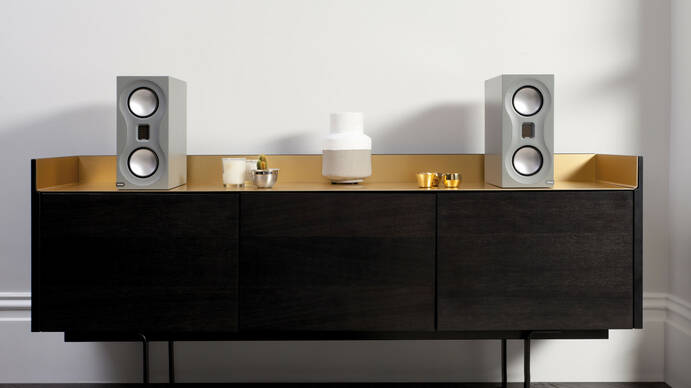 1 Monitor Audio Studio Sideboard 01